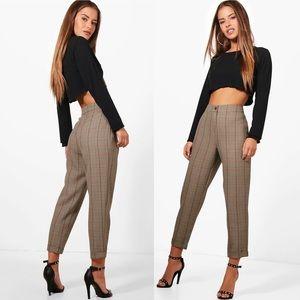 NWT✨ BOOHOO Petite Checked Tapered Pants